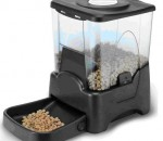 Different Feeders For Different Stock: Choosing The Proper Feeder For Your Herd