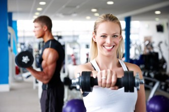 lifting-weights-in-the-gym