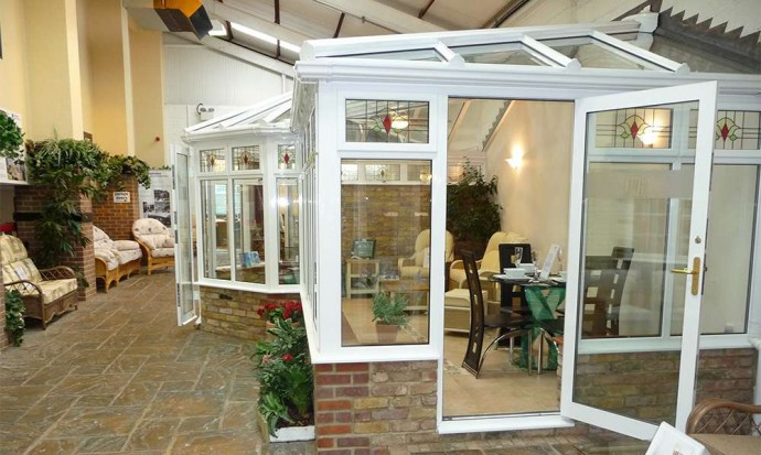 What Are The Advantages Of Double Glazed Windows And How Do They Work?