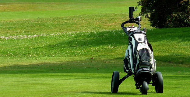 5 Essential Tips On How To Use A Golf Push Cart Efficiently