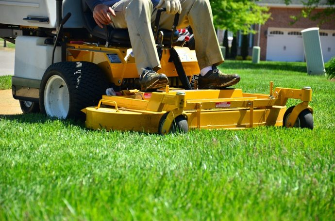 Why Rent Lawn Care Equipment?