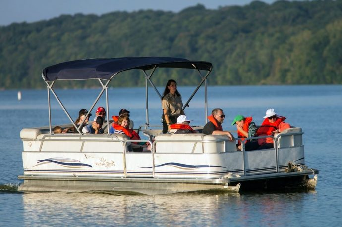 5 Sailing Tips For First-Time Pontoon Boat Owners