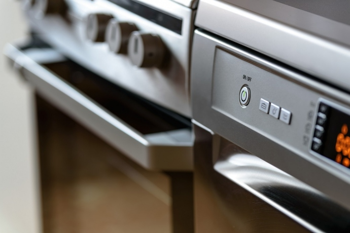 4 Signs Your Home Appliances Might Not Be Functioning Properly