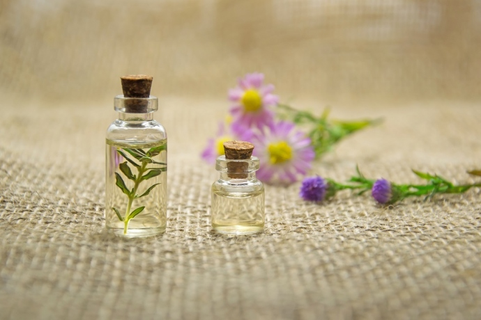 4 Essential Oils Mentioned In The Bible & How They'll Benefit Your Life