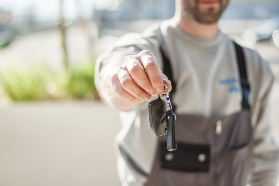 Don't Be Stuck: How To Find A Reliable Locksmith