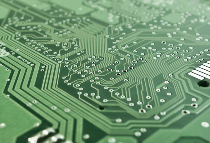 Fabricating Tech: 4 Tips For Getting Into The Hardware Industry