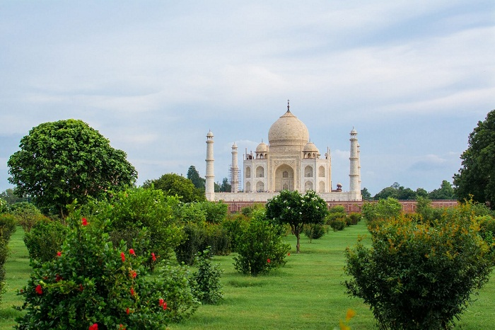 5 Reasons To Why Agra Should Be In Your Travel Bucket List
