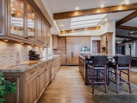 What Is The Difference Between Normal and Luxury Homes?